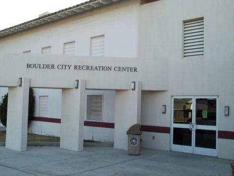 And outdoor view of the Boulder City Recreation Center.